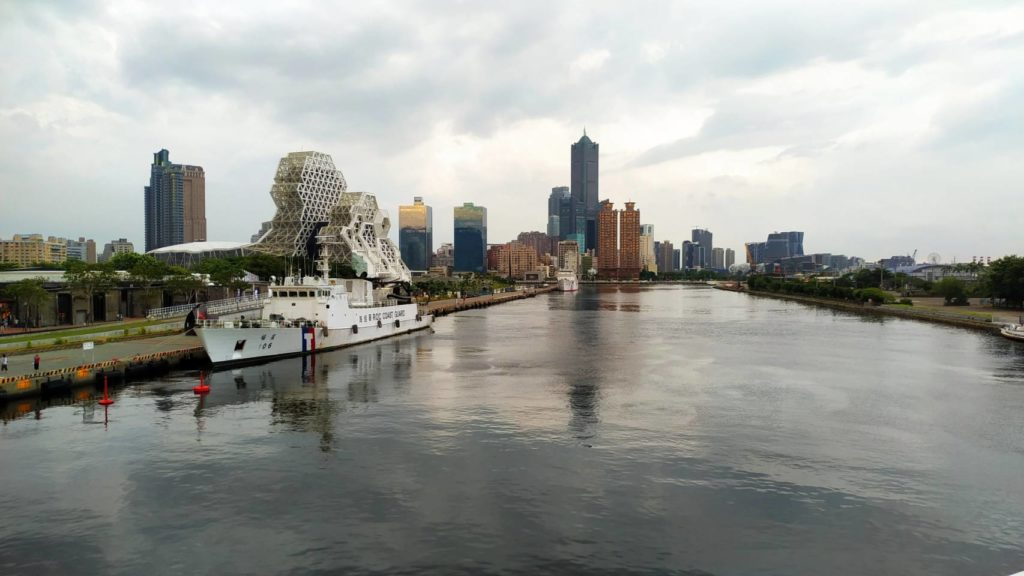大港橋看流行音樂中心和85大樓