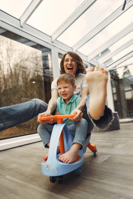 用360相機就可以完整拍下親子互動